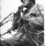 Bundesarchiv Bild 101I-578-1932-11A, Bei Monte Cassino, Fallschirmjäger auf Beobachtung