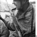 Bundesarchiv Bild 101I-578-1940-04A, Bei Monte Cassino, deutscher Fallschirmjäger