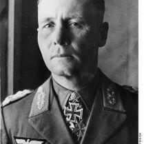 422px-Bundesarchiv_Bild_146-1977-018-13A,_Erwin_Rommel