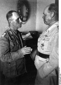 430px-Bundesarchiv_Bild_101I-785-0300-33A,_Nordafrika,_Rommel_und_Kesselring