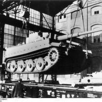 """Kassel, Verladen eines Panzer VI """"Tiger I"""""""