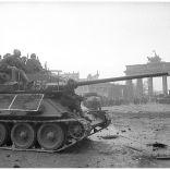 russian-tanks-berlin-brandenburg-gate-second-world-war-1945