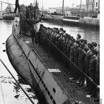 397px-Bundesarchiv_Bild_101II-MW-6434-26,_St._Nazaire,_U-Boot_einlaufend