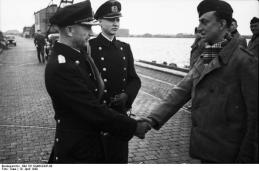Wilhelmshaven, Dönitz begrüßt U-Boot-Besatzung
