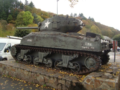 Tanque_Sherman_LaRoche-en-Ardenne_WWII_Belgica (1)