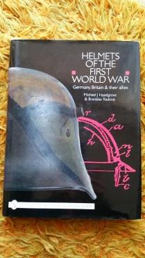 libro militar-cascos militares WWI (2)