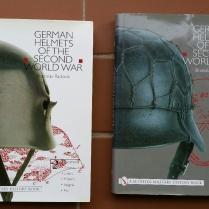libro militar-cascos WWII (1)
