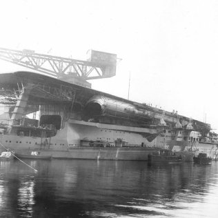 1280px-japanese_navy_aircraft_carrier_kaga_19284739291352058526997.jpg
